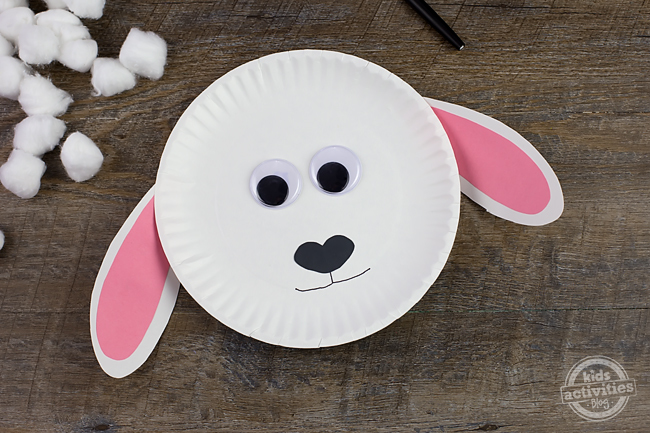 """Using Paper Plate Lambs & Paper Plate Lions, kids will enjoy acting out spring weather. """"March comes in like a lion and goes out like a lamb!"""""""